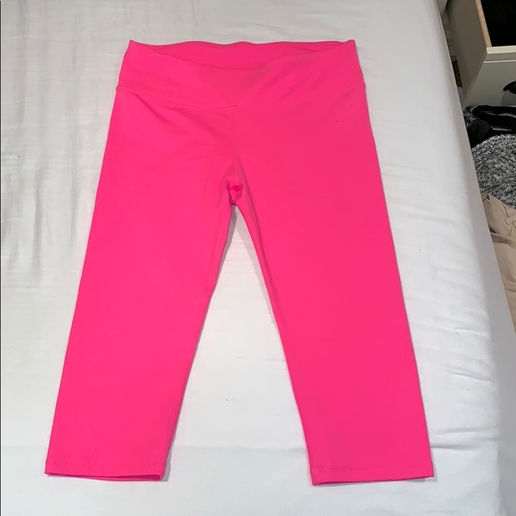 Fabletics Pants - Cropped athletic legging